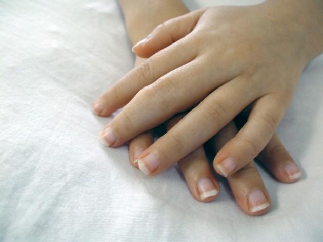 Dor nos dedos, causas, sintomas e formas de tratamento!