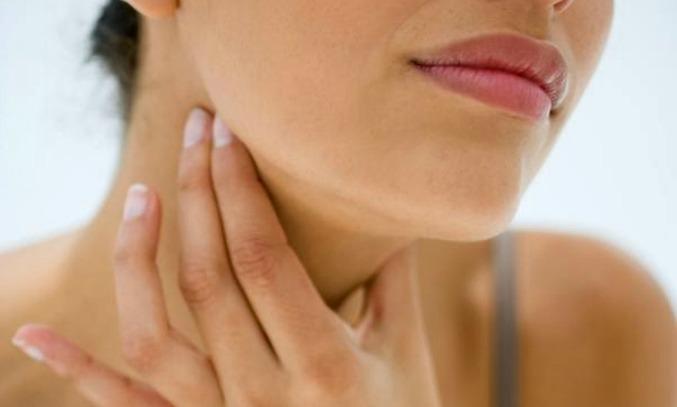 Como tratar a garganta inflamada, causas e sintomas!